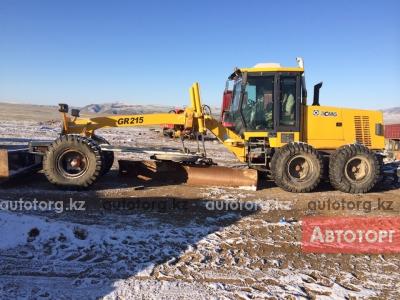 Спецтехника грейдер XCMG GR-215 2011 года за 21 750 000 тг. в городе Актау